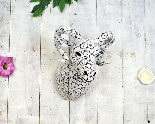 Lace Rams Head 38cm